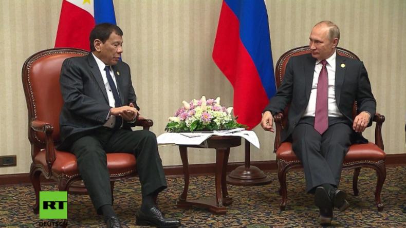 """Peru: Philippinischer Präsident trifft sein """"Idol"""" und seinen """"Lieblingshelden"""" Wladimir Putin"""