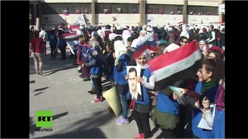 Aleppo: Terroristen beschießen Kundgebung an Schule und töten mindestens sieben Kinder