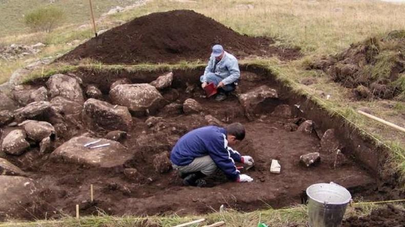 England: Riesiges neolithisches Denkmal nahe Stonehenge entdeckt