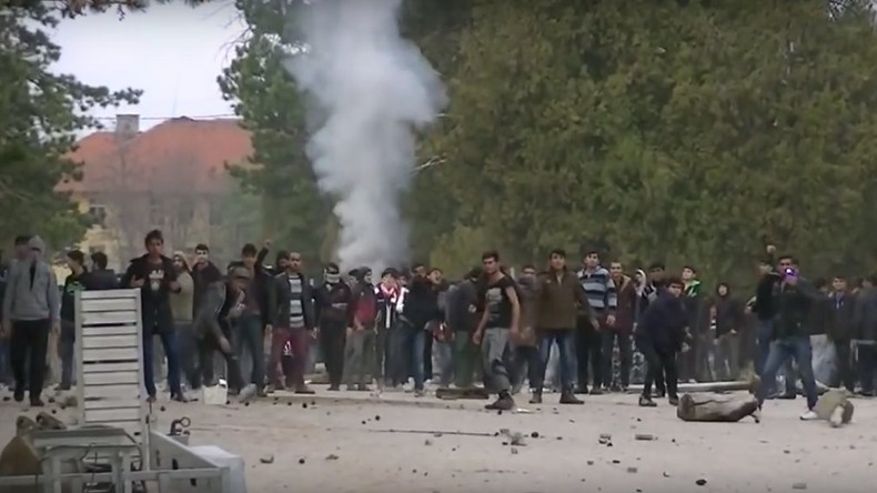 Proteste in Flüchtlingscamps in Bulgarien und Griechenland – 300 Menschen festgenommen, mehrere Tote