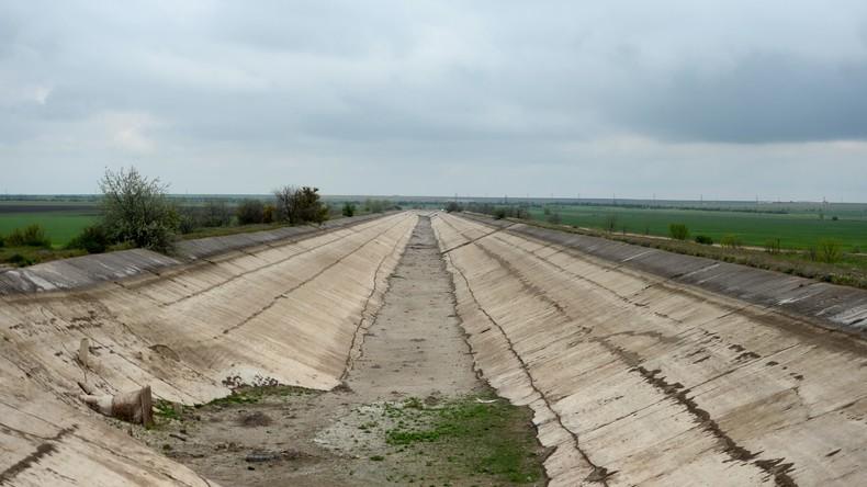 Wasserblockade für die Krim: Die Ukraine errichtet Damm