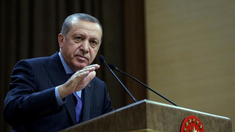 Nach EU-Votum: Erdoğan droht mit Grenzöffnung für Flüchtlinge