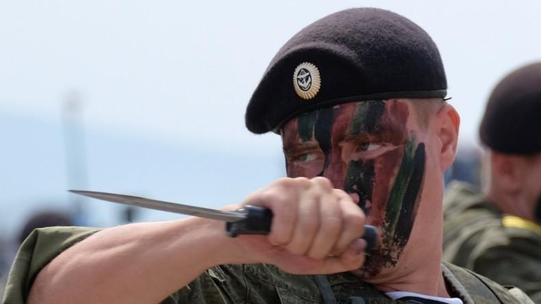 Russlands Verteidigungsministerium zeigt den Alltag der Marineinfanterie