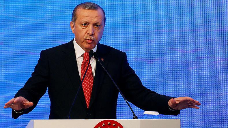 """Lernt eure Grenzen!"" - Türkischer Präsident droht EU mit Eskalation der Flüchtlingskrise"