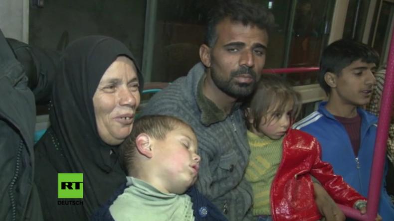 """Syrische Truppen befreien am Wochenende Tausende Menschen aus Ost-Aleppo: """"Dank euch sind wir frei!"""""""