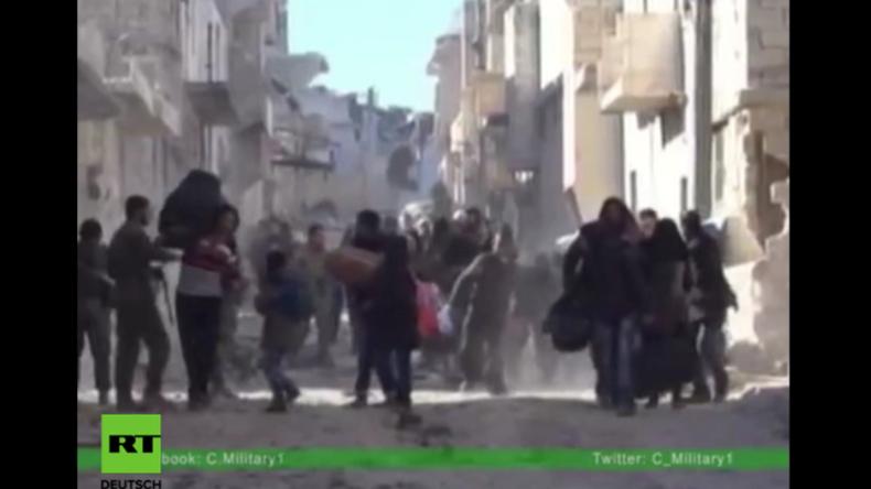 Aleppo: Sogenannte Rebellen eröffnen das Feuer auf fliehende Zivilisten