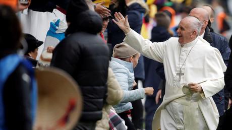 Der Papst Franziskus kommt für eine Messe im Swedbank-Stadion in Malmö an,1. November 2016.