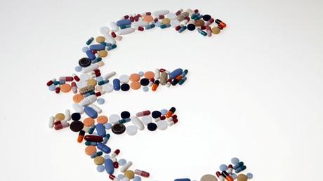 Pharmazeutische Produkte in Form der europäischen Währung, Bild-Illustration; August 20, 2014