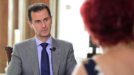 Syriens Präsident Bashar al-Assad im Gespräch mit einer Kollegin der Komsomolskaya Pravda, 14. Oktober 2016.
