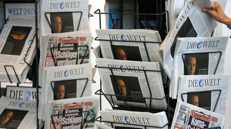 Deutsche Zeitungen auf einem Verkaufsständer, Berlin, Deutschland, 16. April 2014.