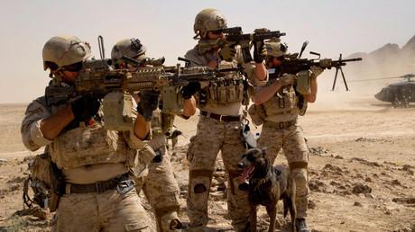 Bei einem Schusswechsel auf einer jordanischen Militärbasis wurden drei dort tätige US-Spezialsoldaten getötet. Von einem Terroranschlag will bis dato keine Seite sprechen.  Bildquelle: Navyseals.com