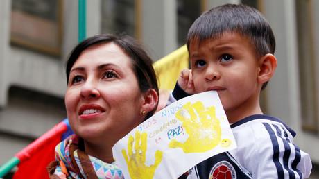 Hoffnung auf Frieden in Kolumbien: Die Friedensverhandlungen zwischen Regierung und FARC-Guerilla bewegen auch die Menschen auf der Straße.