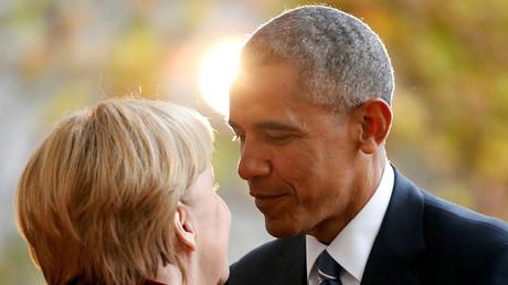 Bundeskanzlerin Angela Merkel begrüßt den US-Präsidenten Barack Obama in Berlin. Deutschland, 17. November, 2016.