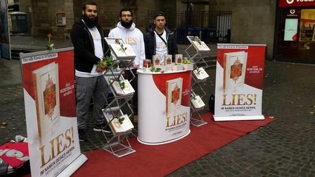 Österreichisches Außenministerium ruft zum Verbot von Koranverteilungen auf.
