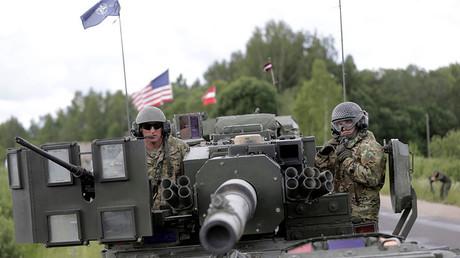 Die USA versichern Russland, die NATO verfolge keine aggressiven Ziele. Das Vertrauen Moskaus in diese Zusicherung hält sich mit Blick auf die Fakten in Grenzen.