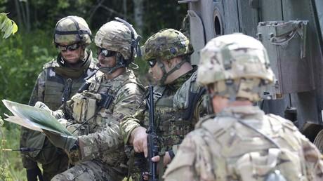 Soldaten in Estland während der NATO-Übrung Saber Strike-2016: Jetzt könne auch einfache Bürger Krieg spielen.