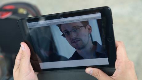 Nur per Videoschalte oder mit persönlichem Erscheinen: Vor allem um die Art der Befragung des Zeugen Edward Snowden dreht sich der Streit.