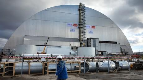 Neuer Sarkophag über Tschernobyl-Reaktor geschoben