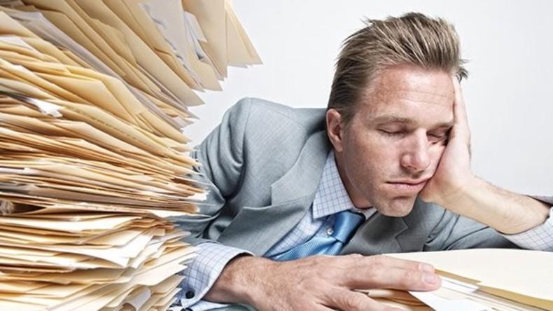 Schlafmangel der Bürger kostet Wirtschaft Großbritanniens 50 Milliarden US-Dollar pro Jahr