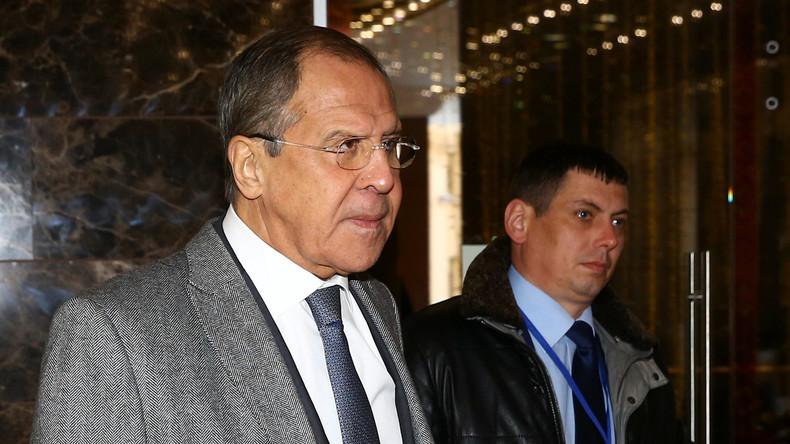 """Sergej Lawrow: """"Die russisch-amerikanischen Beziehungen auf eine stabile Bahn zurückbringen"""""""