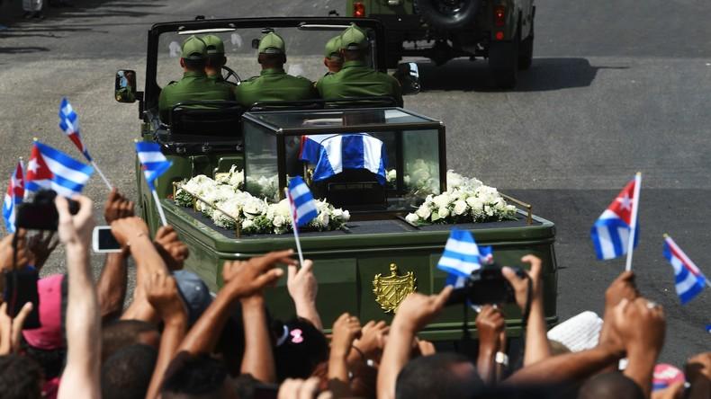 Kuba: Fidel Castros Urne in Santiago de Cuba beigesetzt