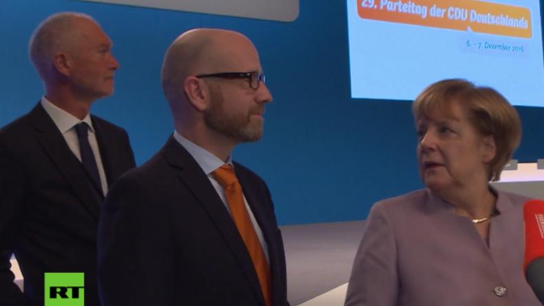"""""""Was'n das für'n Apparat?"""" Merkel entdeckt wieder Neuland – Nach dem Internet nun 360° Kameras"""