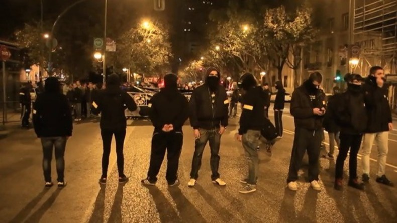 Live: Tausende gedenken des Mordes am 15-Jährigen Grigoropoulos von 2008 in Athen