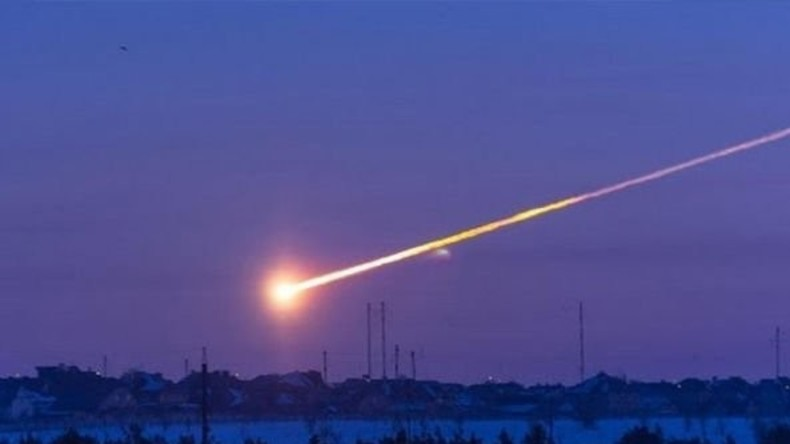 Meteorit am Himmel über Sibirien verbrannt [VIDEO]