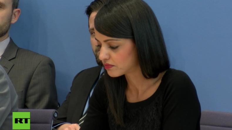 Bundespressekonferenz: Chebli gerät nach Frage zu Drohnenkrieg über Ramstein mächtig ins Straucheln