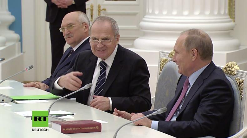 """""""Idiotische Entscheidung"""" - Putin über Litauens Verbot für russische Richter"""