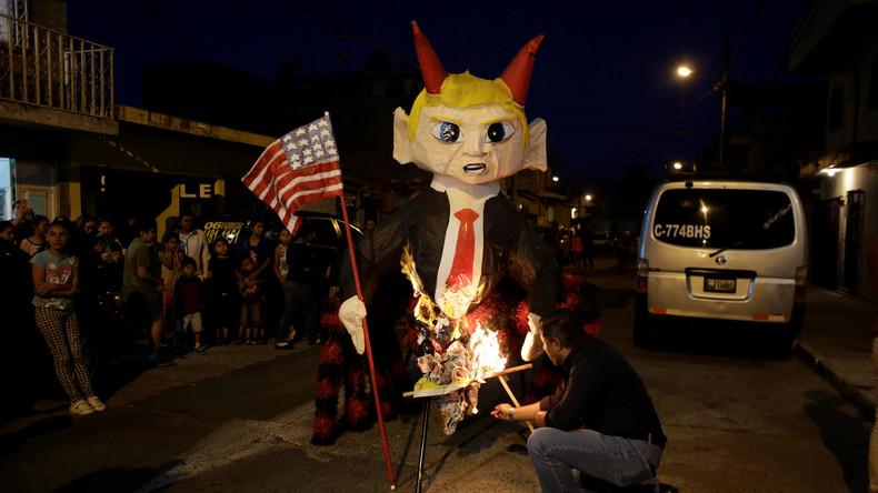 Guatemalteken verbrennen Trump-Puppen zum Schutz gegen böse Geister