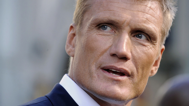 """World of Tanks"": Dolph Lundgren spielt in Weißrussland mit"