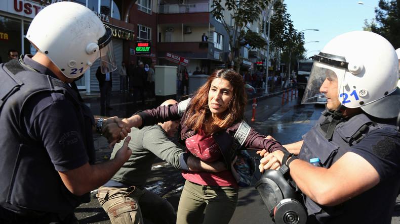 Türkei: Landesweite Verhaftungswelle gegen prokurdische HDP nach Terrorangriff