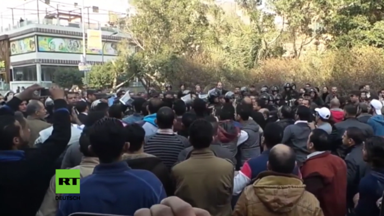 Nach Anschlag in Kairo: Kopten protestieren gegen mangelnden Schutz - Zusammenstöße mit Polizei