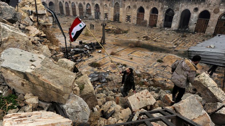 """RT Spezial zur Befreiung von Aleppo + Fund von Fassbomben der """"Opposition"""""""