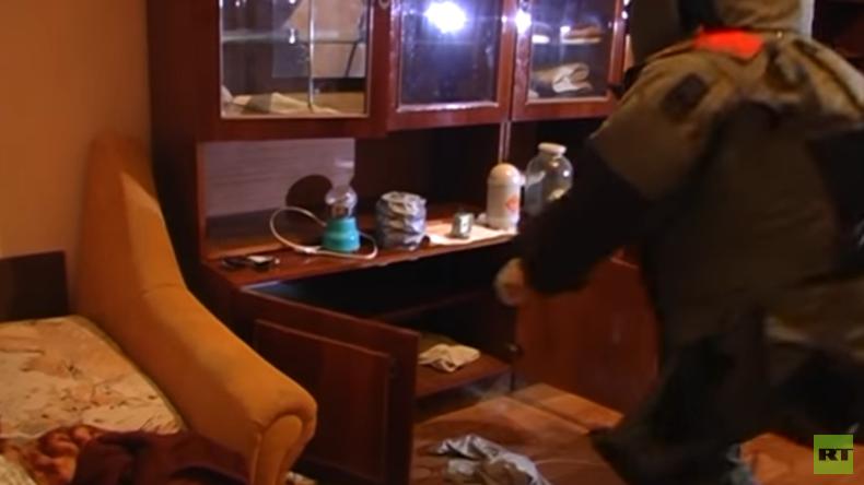 FSB veröffentlicht Video der Wohnungsdurchsuchung der IS-Gehilfen aus Samara