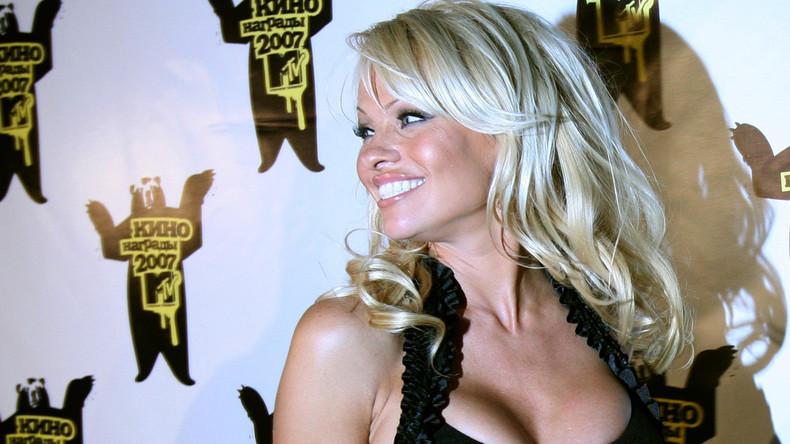 Pamela Anderson will russische Staatsbürgerin werden