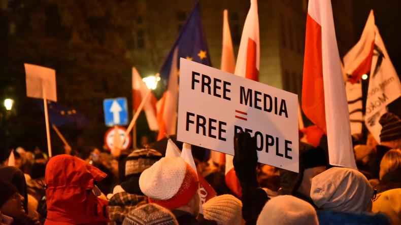 Einschränkung der Pressefreiheit: Polnische Opposition wirft Polizeikräften Tränengasangriff vor