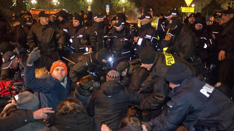 Proteste in Warschau: Entfernt sich Polen von der EU?
