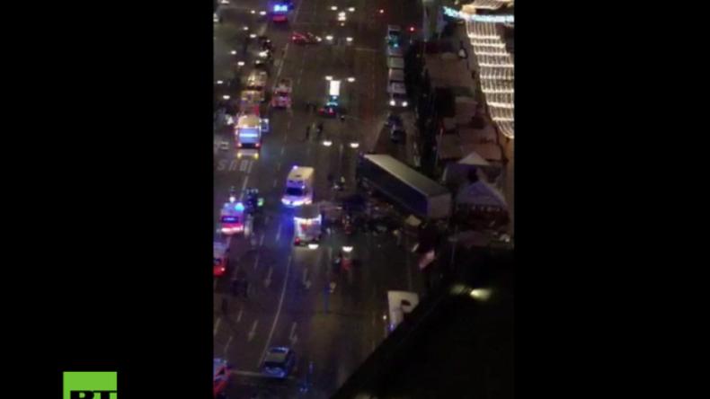 Video zeigt Szenerie am Breitscheidplatz in Berlin, nachdem 40-Tonner in Menschenmasse raste