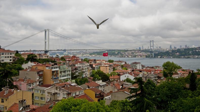 Eurasien-Autotunnel unter Bosporus in Istanbul eingeweiht