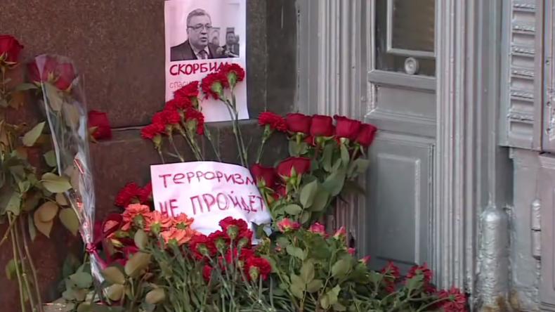 Live: Putin besucht Abschiedszeremonie für in der Türkei getöteten Botschafter Karlow