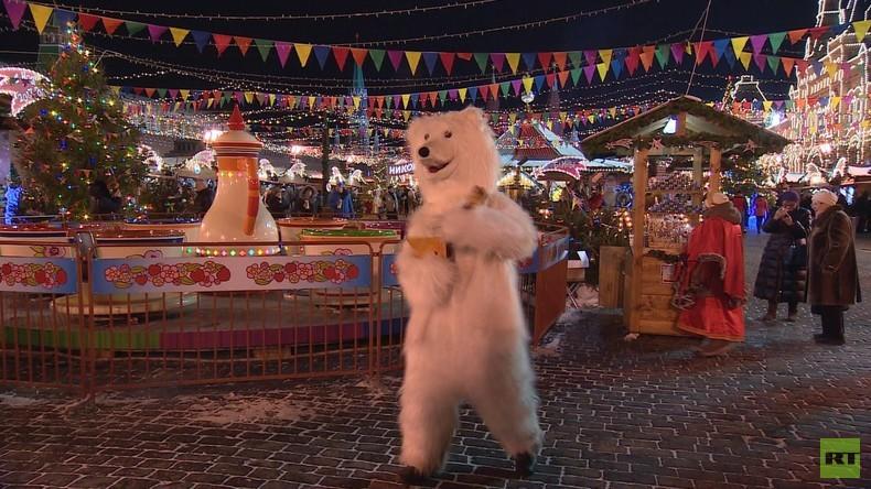Einmal in Russland: Moskau feiert Neujahr mit Eiskunst und Lichterspielen