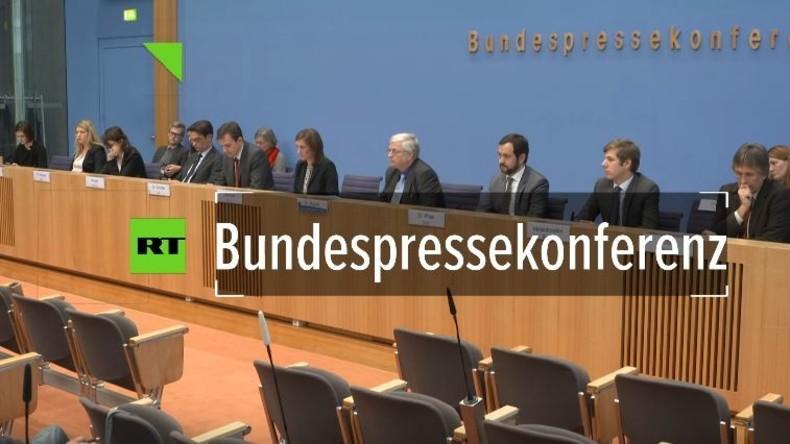 Ungereimtheiten bei Terroranschlag in Berlin: RT Deutsch hakt bei Regierungspressekonferenz nach