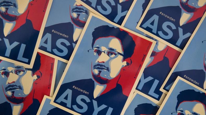 """Internetnutzer werfen Edward Snowden Werbung für """"KFC"""" vor"""