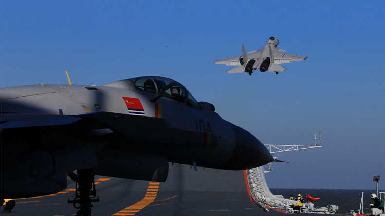 China fordert USA heraus: Peking entsendet Flugzeugträger in Pazifischen Ozean