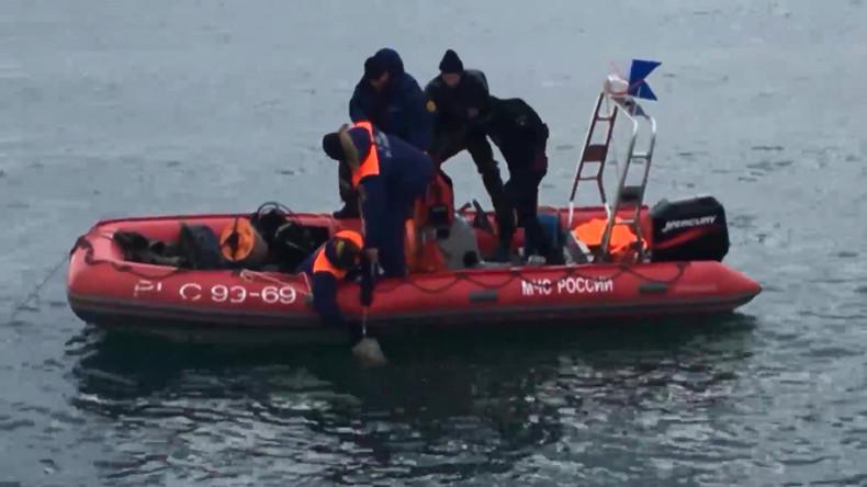 Erste Fragmente der abgestürzten Tu-154 vom Meeresgrund geborgen [VIDEO]