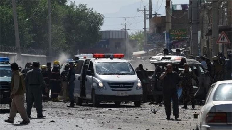 Bombenanschlag auf Parlamentarier in Kabul verübt
