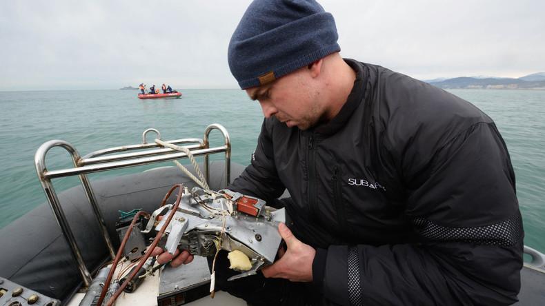 Bergungskräfte holen alle Hauptfragmente der verunglückten Tu-154 aus dem Wasser