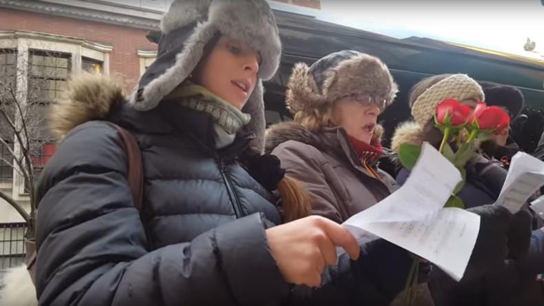 Ein US-Chor singt Russlands Hymne zum Andenken an die Opfer des Tu-154-Absturzes